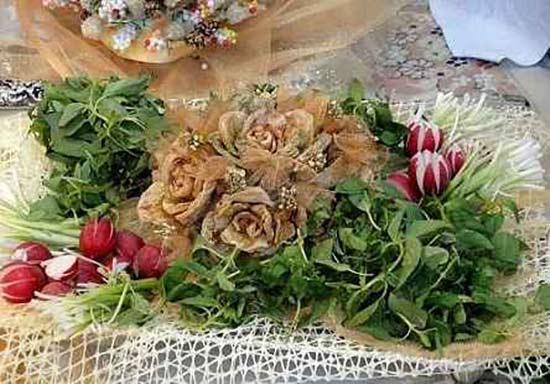تزئین نون و پنیر و سبزی سفره عقد