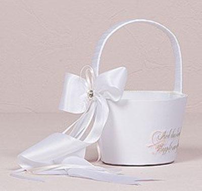تزیینات سبد هدایای عروس و داماد